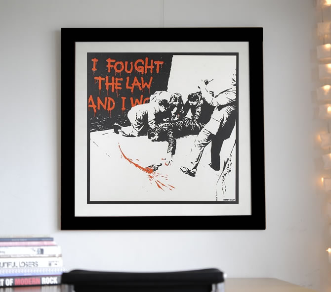 Banksy -I Fought The Lawを額装